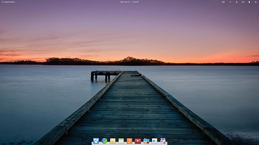 Рабочий стол Elementary OS.